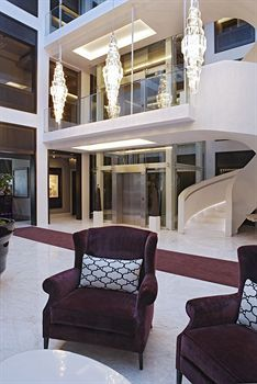 Fresh Lobby Sitting Area in the Queen Victoria Hotel Portswood Close Portswood Ridge Victoria u Alfred