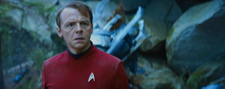 Simon Pegg a co-scénarisé l'écriture de Star Trek : Sans limites. Le résultat n'est pas toujours à la hauteur et peut avoir le mérite de contrebalancer les lourdeurs des dialogues ou de scènes creuses.   http://lamaisonmusee.com/