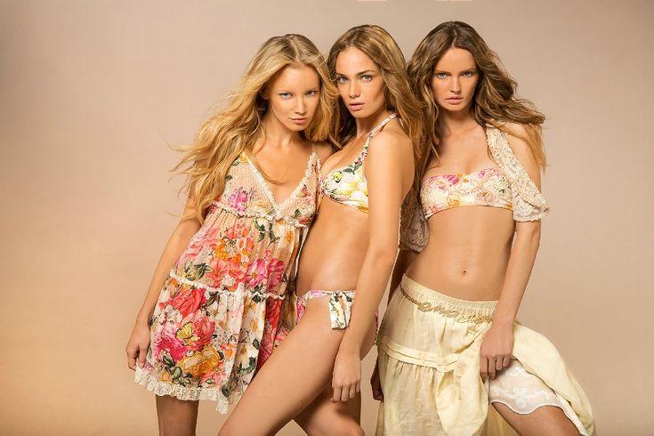 Emamò presenta la nuova linea di costumi e beachwear primavera-estate 2015. Pizzi ricercati, tessuti preziosi, motivi floreali delineano nuovi stili. http://www.stilemagazine.it/costumi-da-mare-beachwear-emamo-primavera-estate-2015/