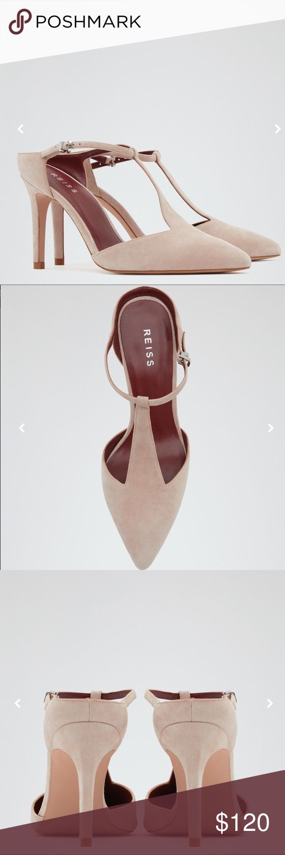 ❤️ Women's Suede T-bar Shoes ❤️ The blush suede Loki mules are a modern take on the classic T-bar design, crafted with a drop heel and a feminine point toe. Versatile enough to see you through the season, team them with everything from an occasion dress to tailored trousers. Point toe. High stiletto heel. Buckled ankle strap. Note that sizes displayed are US sizes. Heel height: 9.1 CM. Washcare: Dry Wipe Clean Only. Composition: 100% Goat Leather. Lining composition: 100% Goat…