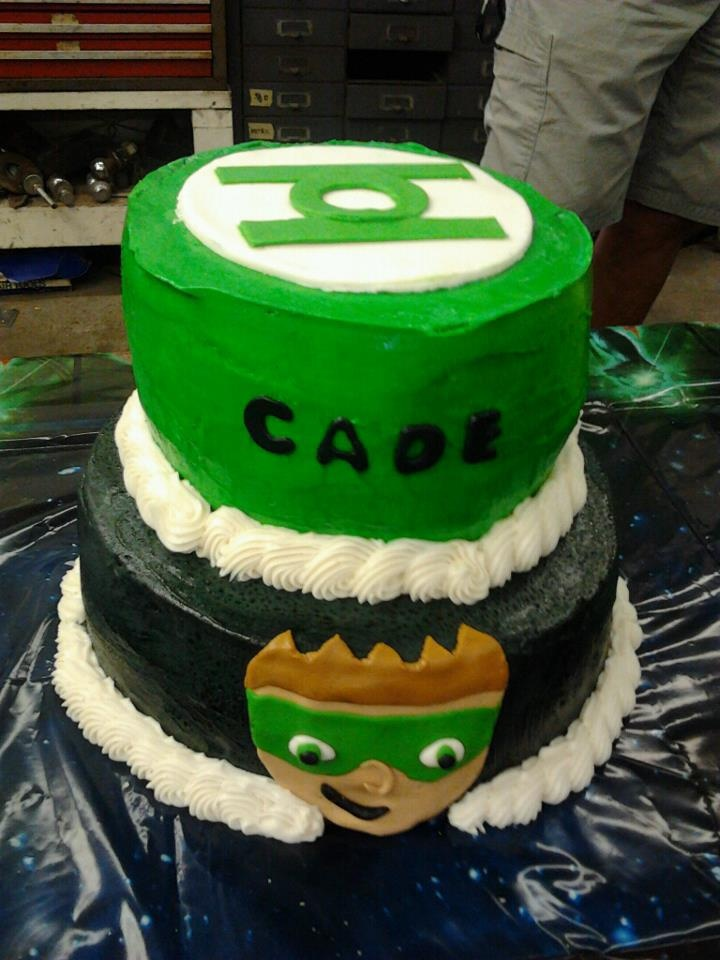Green Lantern Ice cream cake cakes by Eve Pinterest ...