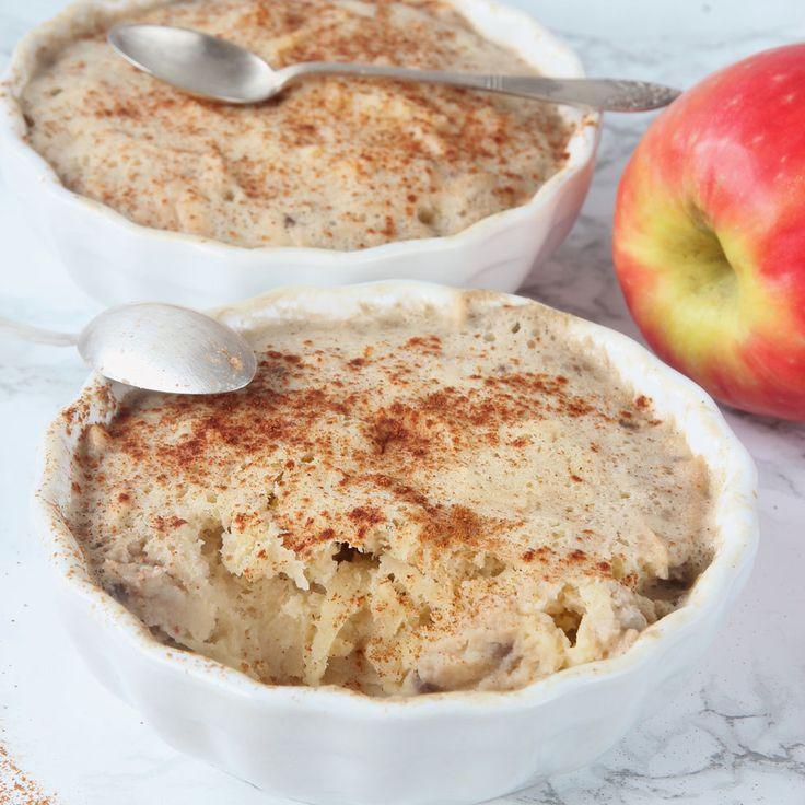 Nyttig äppelkladdkaka helt utan mjöl eller smör. Innehåller banan, ägg, rivet äpple & kanel. Supergod!