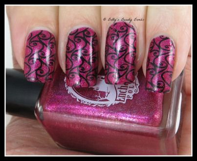 http://www.bettysbeautybombs.com/2014/12/16/girly-swirls-nail-art-featuring-enchanted-polish-september-2014/ / Enchanted Polish September 2014 nail art