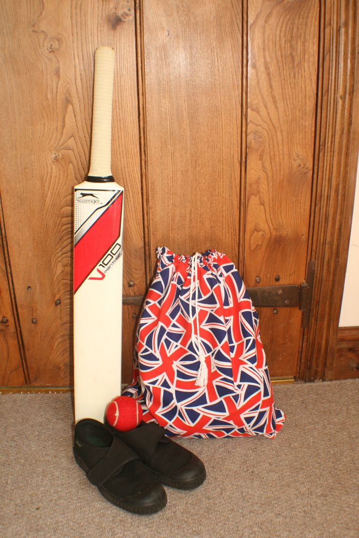 Kids drawstring pump bag in Union Jack Fabric FM3236. See our website for the fabric http://www.fabricmills.co.uk/detail2097.html