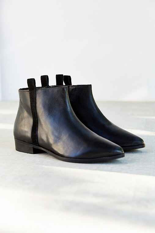 Silence + Noise Pull-On Leather Ankle Boot - Urban Outfitters