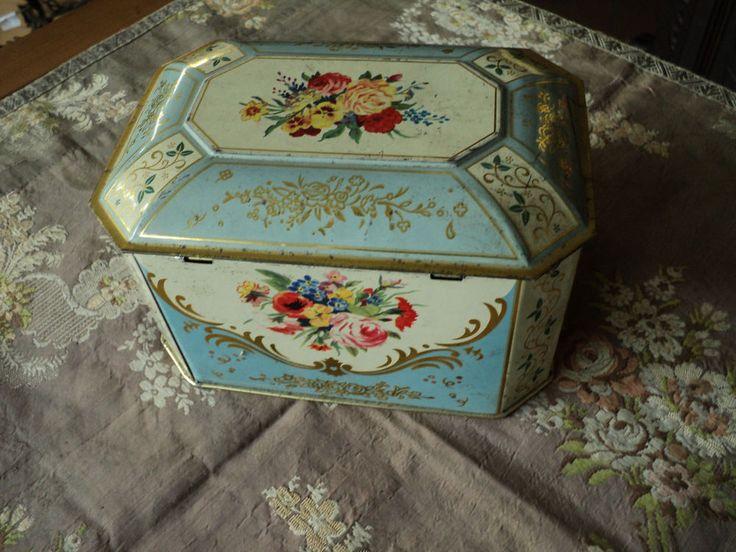 Scatola+di+latta+con+mazzo+fiori+tin+box