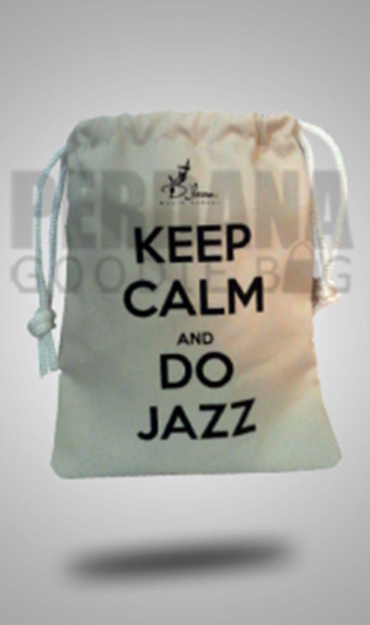 Goodie Bag Desain Custom Perdana      Goodie bag  bisa didapatkan dengan mudah dengan berbagai variasi harga yang bersaing. Tinggi rendah n...