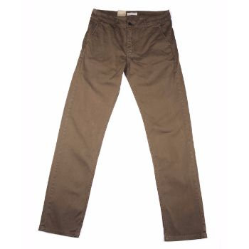 Velour Velour - Springtime Brown Adan Pants: Velour's renowned classic chino Adan with just the right mix of stretch for that right effortless feeling. The chino fabric means that it is constructed of diagonal, parallel ribs. This structure gives the chino cloth its heavy duty strength while also allowing it to drape well.