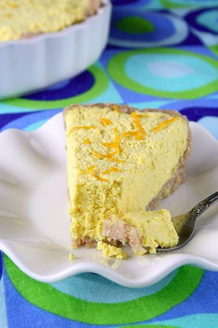 """Raw vegan lemon pie by floridecires  """"Va spun pe drept cuvant si cat se poate de sincer ca aceasta este cea mai buna tarta cu lamaie gustata vreodata!"""""""