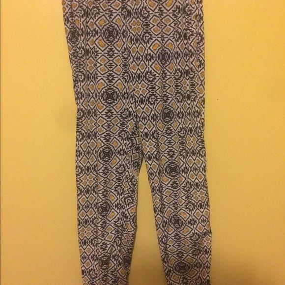 Tribal print pants Tribal print, high waisted, size medium Pants Ankle & Cropped