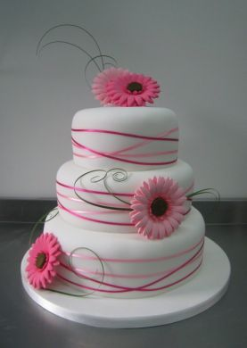 gerbera wedding cakes - this the favorie at moment, but not this colour