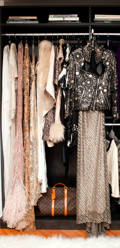 Fashionable Closet : Leather, nudes and sequins