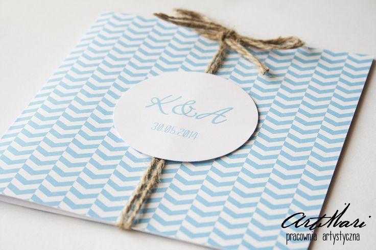 eleganckie zaproszenie ślubne w kolorze niebieskim ze sznurkiem jutowym