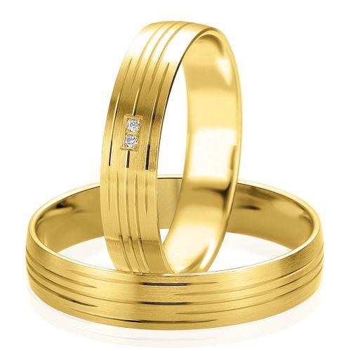 Très sobre et élégant, le Duo Tiphaine & Lesly est en or jaune et diamants.  http://www.zeina-alliances.com/alliance-duo/3711-duo-tiphaine-lesly.html