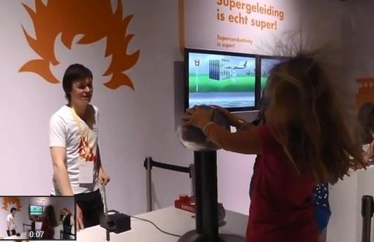 Te gek haar door statische energie in Energy Lab op Shell eco-marathon 2013.
