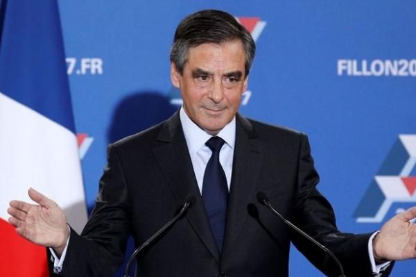 Francois Fillon easily wins France's Republican primary