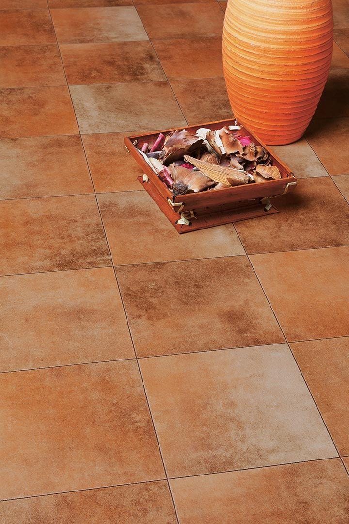 Design clasic de gresie, de culoare terra.