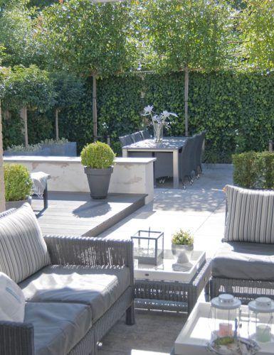 Luxe loungetuin met design tuinmeubels