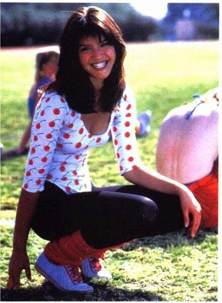 De 129 B Sta Phoebe Cates Bilderna P Pinterest Phoebe Cates K Ndisar Och Sk Despelerskor