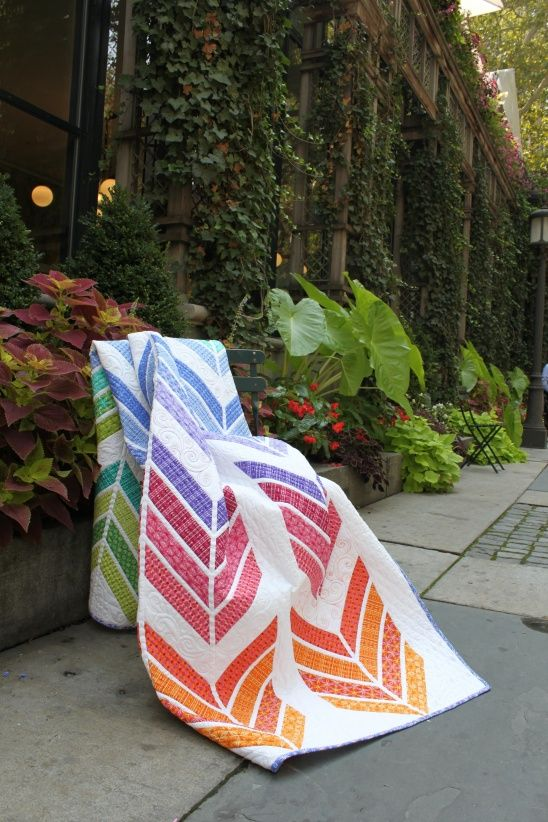 Jelly Roll Zig Zag quilt (free pattern) by Benartex | Project | Quilting…