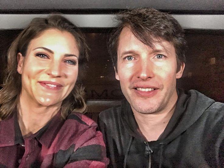 """Glanz & Gloria (@srfglanzundgloria) sur Instagram: """"Unsere «G&G»-Moderatorin Annina Frey hat den Sänger James Blunt (44) in der Limo mit Behauptungen…"""""""