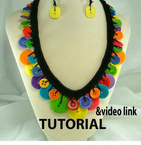 Crochet Button Necklace Tutorial and Video Link by ljeans on Etsy, $7.00