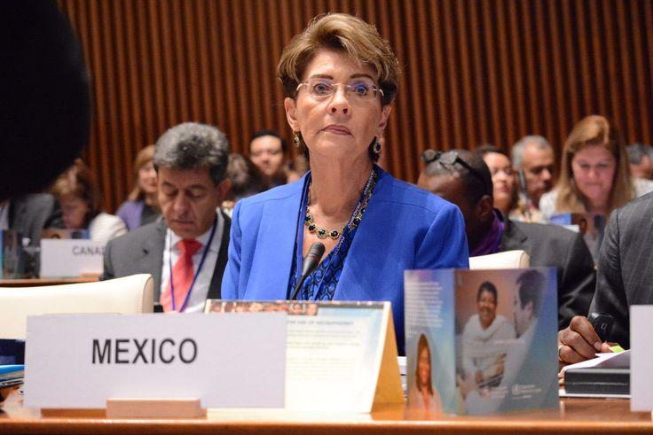 Ser humano debe ser el centro de las políticas de salud pública - http://plenilunia.com/novedades-medicas/ser-humano-debe-ser-el-centro-de-las-politicas-de-salud-publica/37248/
