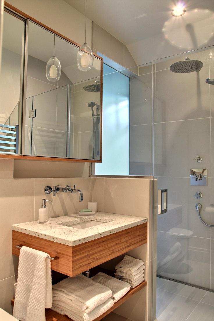 Salle de bain réalisée par Richard & Levesque design Chantale Lahaye (margin)
