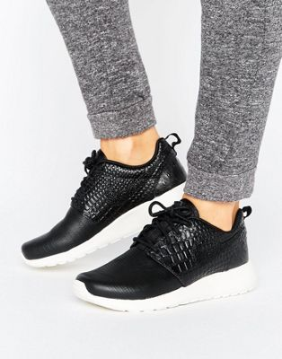 Nike - Roshe One Premium - Scarpe da ginnastica nere