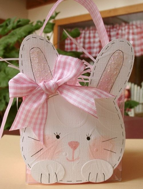 Doodlecharm Cricut Cartridge was used for this adorable bunny gift bad. I absolutely love how this turned out!