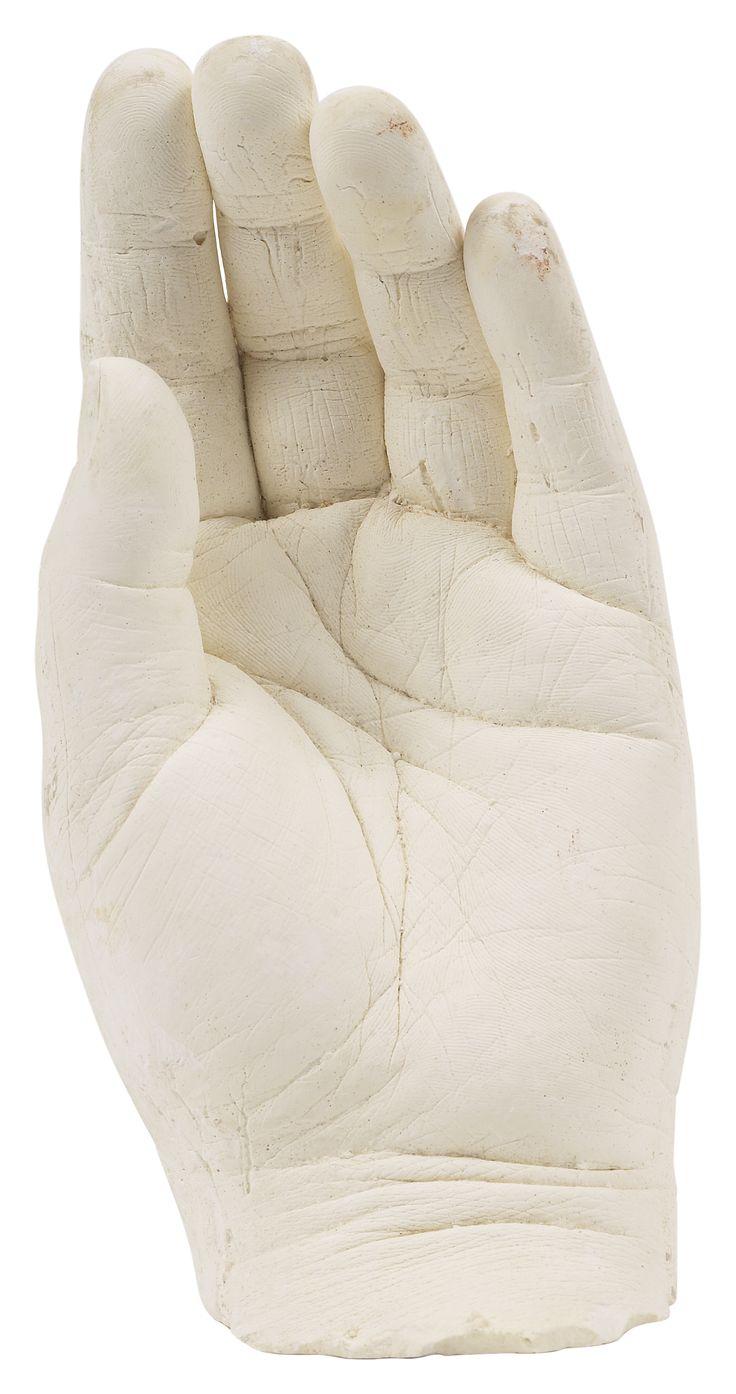 Cómo hacer un molde de yeso de tu mano