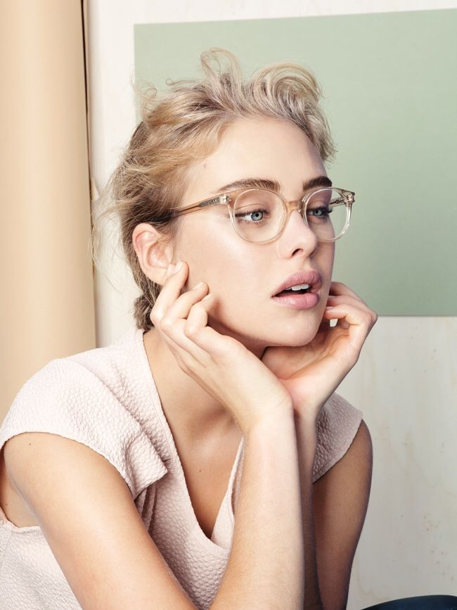 Trasparent Round full rim frames: definition of style. Discover more round trasparent glasses at http://www.smartbuyglasses.co.uk/designer-eyeglasses/general/-Women-Round-Full+Rim-White-------------------