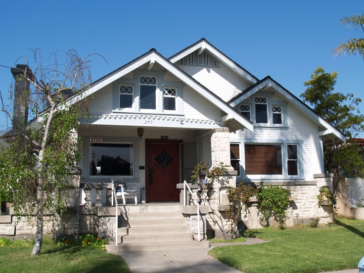 1000 ideas about craftsman bungalow exterior on pinterest for Craftsman home builders houston