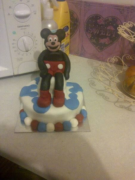 This is the 1st cake i ever made ! Mickey mouse cake for my sons 2nd birthday x