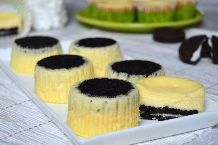 Mini cheesecake cu oreo | Miremirc