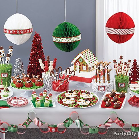 Sled through tons of cute ideas to put together a Christmas treat buffet! With these easy how-to's you'll create your own North Pole winter wonderland of sweets!