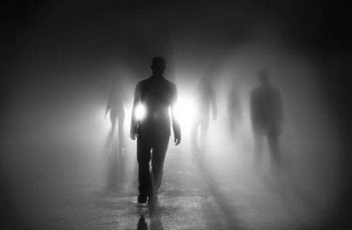 ¿FAMILIARES MUERTOS vienen a buscar a Moribundos en su Lecho de Muerte? [mira esto]