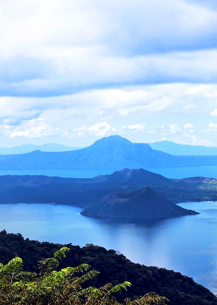 Tagaytay tourists love to admire Taal Volcano from the ridge or highlands, but how about hiking to it to take a closer look? Here's how! via http://iAmAileen.com/hike-taal-volcano-tagaytay-helpful-tips/ #travelph #philippines