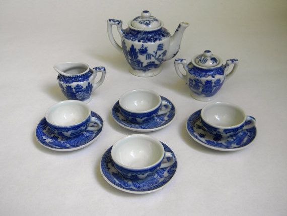 Occupied Japan - childs doll tea set - blue willow pattern ...