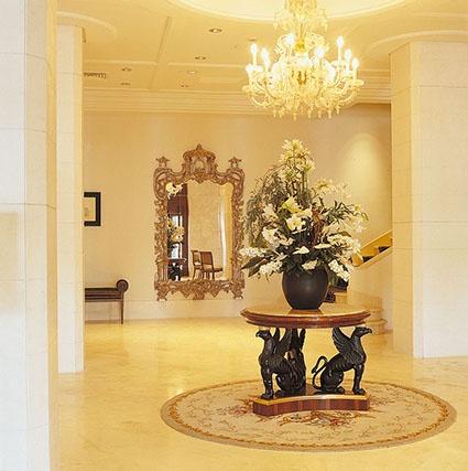 PORTFOLIO STUDIO SIMONETTI: Grand Hotel Excelsior_ Hall, architectural project of interiors (credits Robert Emmet Bright e Alessandro de Crignis) #grandhotelexcelsiorcatania #studiosimonetti #interiordesign #hoteldesigner