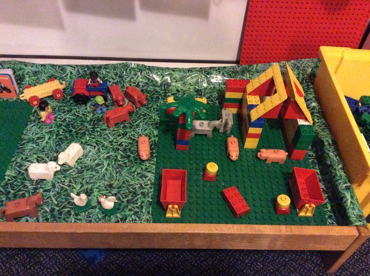 Farm topic- Lego construction prompt picture  >> Can you build your own farm?