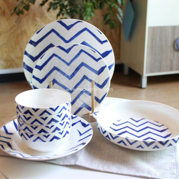 Add a vivid palette of white to your table setting with the colorful Capri pattern creating an eye-catching combination of designs. & 37 best Modern Dinnerware Set images on Pinterest | Modern ...