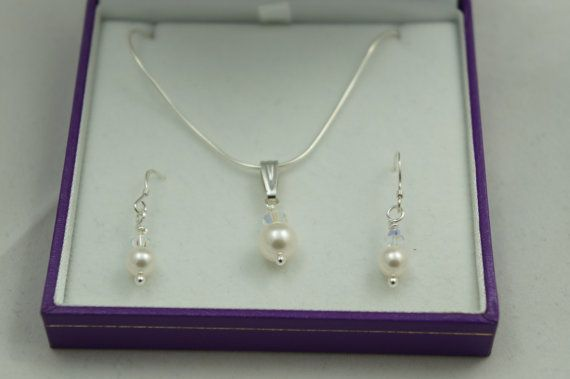 Necklace and Earring set   Valentines Gift  by Makewithlovecrafts