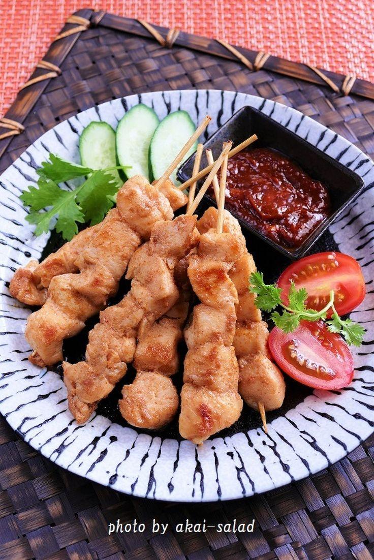 鶏むね肉でインドネシアの焼き鳥サテー by 長岡美津恵akai-salad / 鶏むね肉で作ったインドネシアの焼き鳥サテーです。甘辛スパイシーでビールに良く合います。 / Nadia