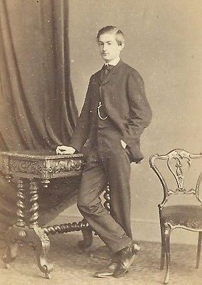 CDV PHOTO HANDSOME CLEAN CUT WELL DRESSED YOUNG GENTLEMAN RYDE ISLE OF WIGHT
