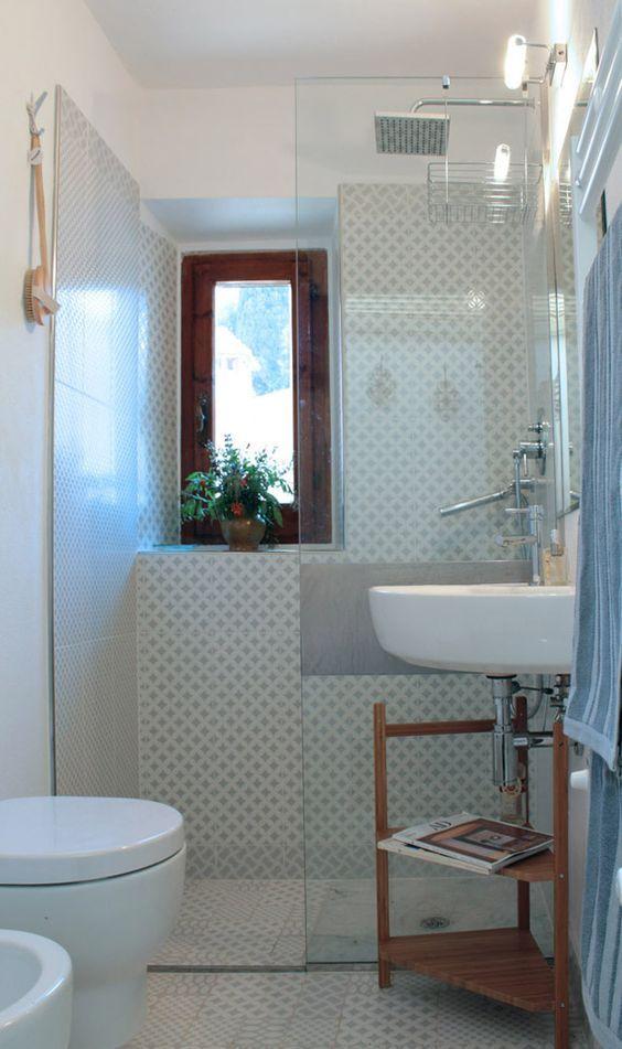 Oltre 25 fantastiche idee su lungo bagno stretto su - Progettare bagno piccolo ...