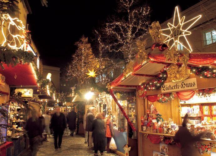 Weihnachtsmarkt   Basel (Familienfreundlich - Kinderbetreuung wird angeboten. Der grösste Markt der Schweiz. 27.11-23.12)