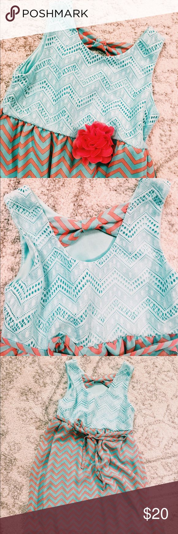 High low bow back dress Super cute chevron high low dress. Perfect condition. Never worn Rare Editions Dresses