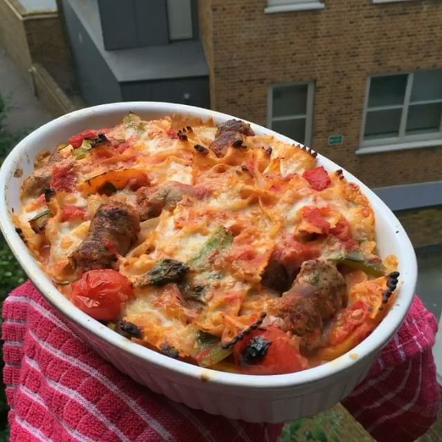Here it is 🙌🏽 My super easy sausage and mozzarella pasta bake 😍 #foodie #recipe #food #leanin15 #instagood #instagram #instafood