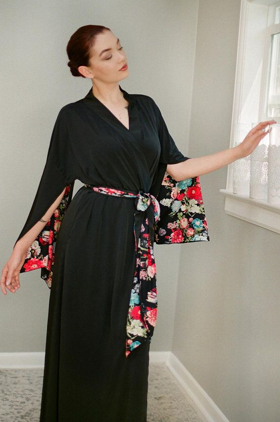 Garden of Midnight. One custom long  Haiku  robe in  e314bdc1b